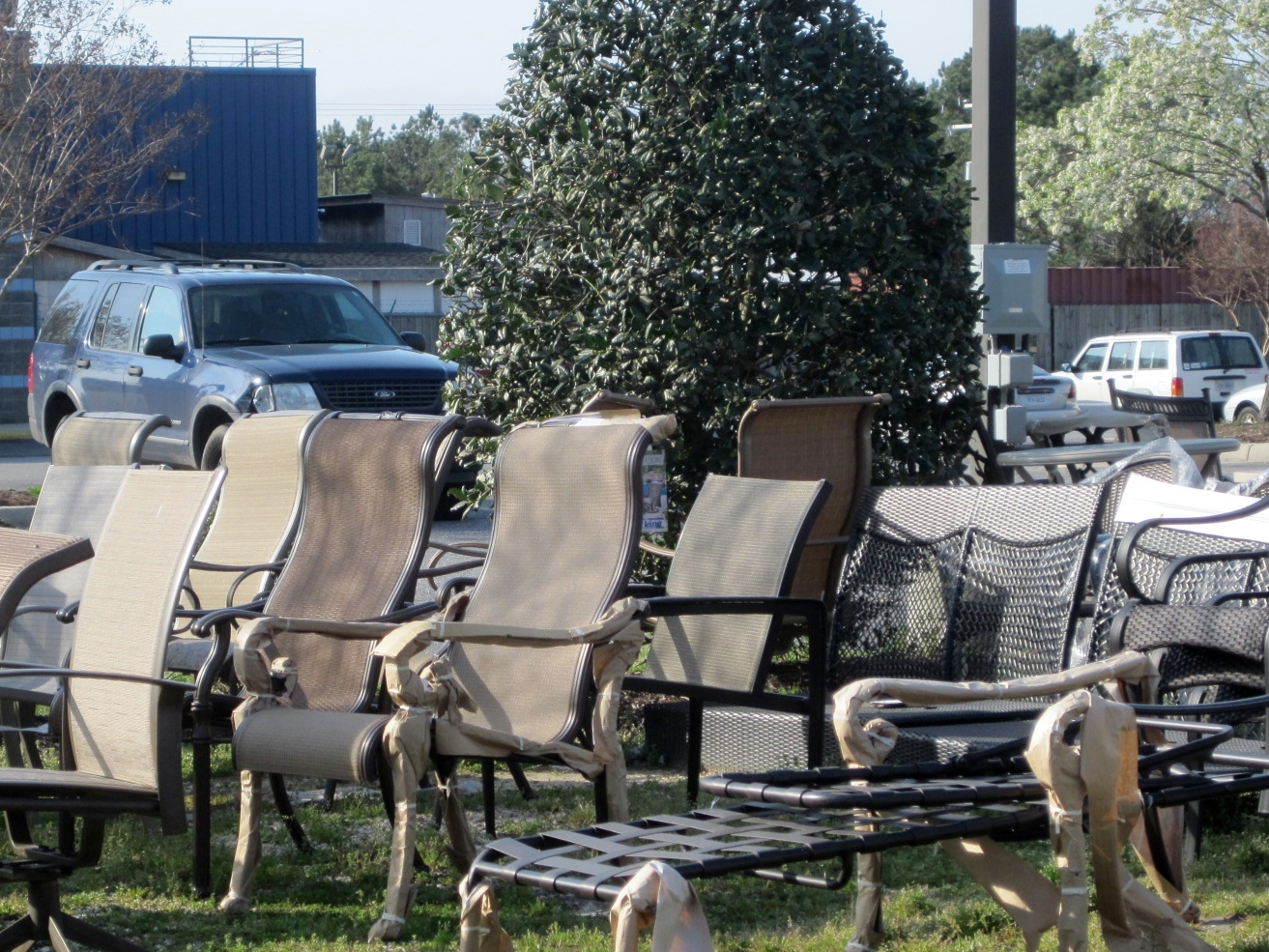 - PATIO FURNITURE OUTLET AT BORDER STATION