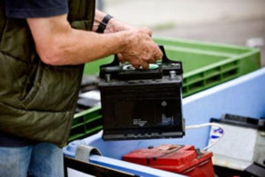 LOCAL OLD CAR BATTERIES REMOVAL SERVICES IN OMAHA NEBRASKA | OMAHA JUNK DISPOSAL
