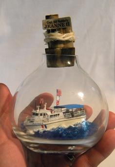 How to make a easy DIY ship in a bottle. www.DIYeasycrafts.com