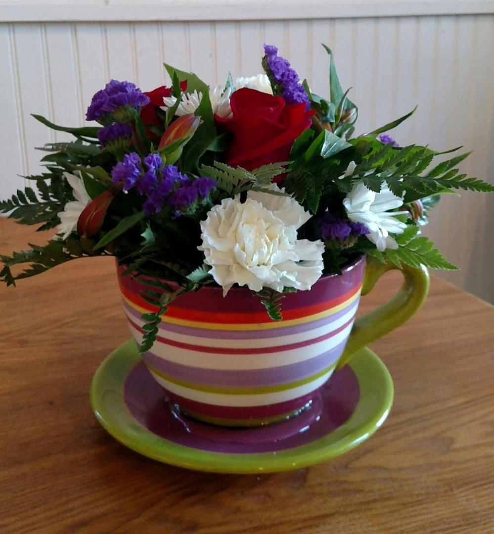 Home vivees is proud to be an ftd florist the ftd seal as well as our talented staff ensures your order will impress we have arrangements for any occasion izmirmasajfo