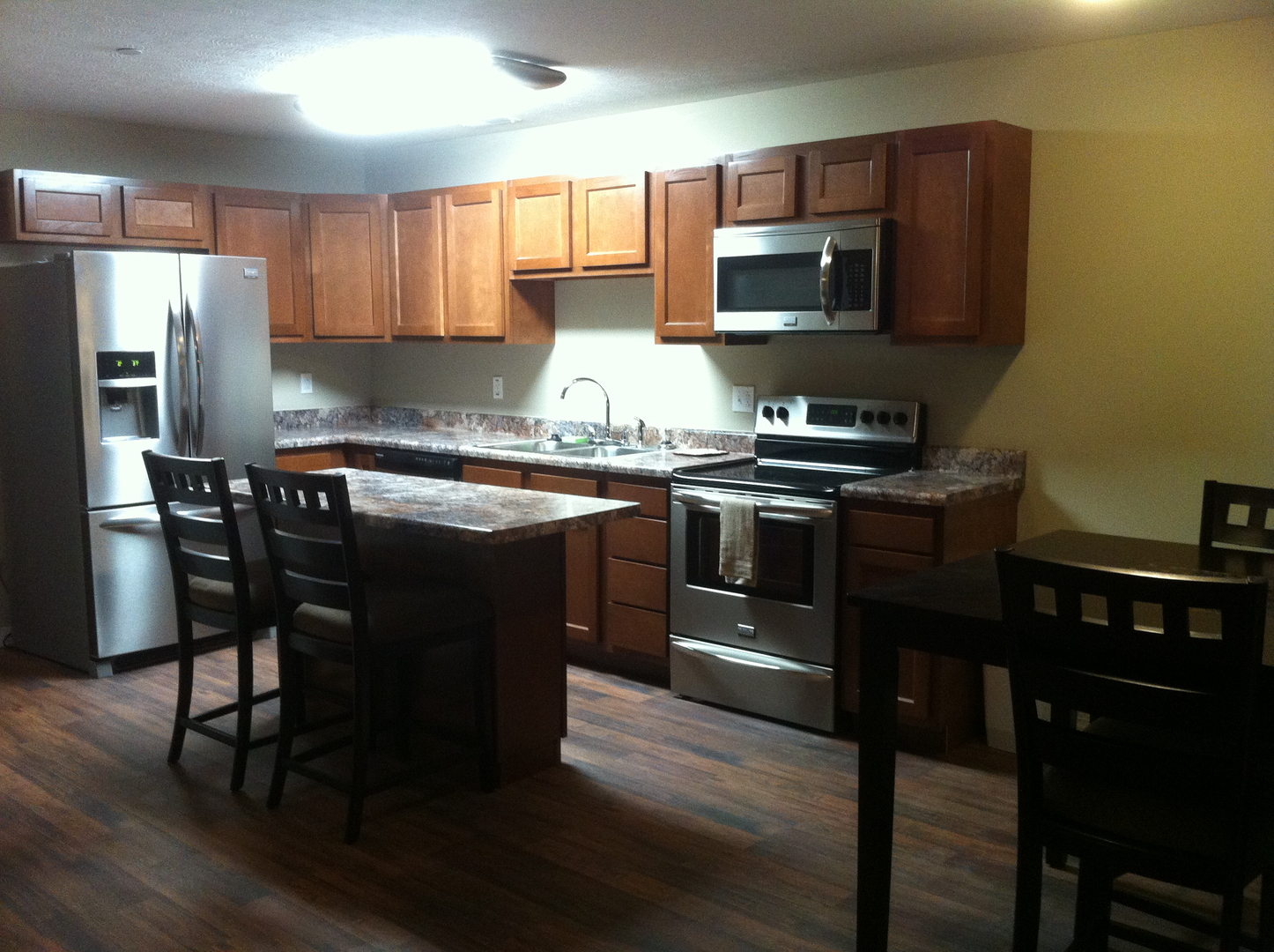 Huntington  WV 25703 1 100 sqft   2 bedrooms with 2 1 2 bathrooms   W D  included   off street parking. Campus Edge Apartment Rentals