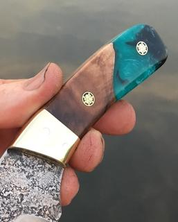 How to make Custom Knife Handles or scales. Part of the complete online Knife Making guide. www.DIYeasycrafts.com