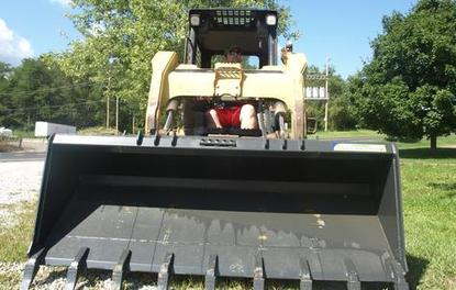 Extra Heavy Duty Skid Steer Bucket