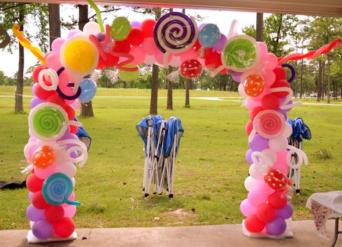 CANDYLAND BALLOON ARCH