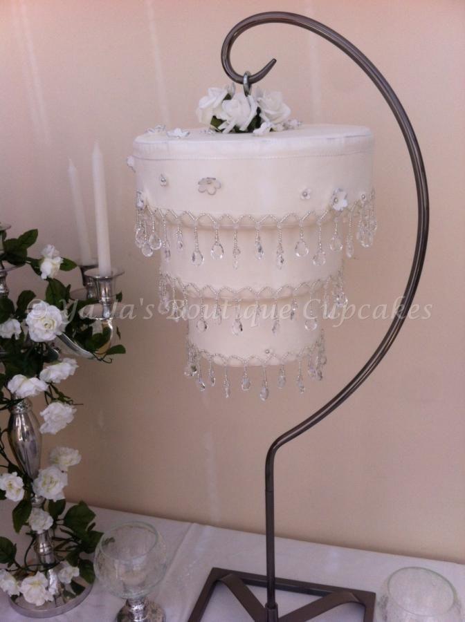 Hanging cakeChandelier Cake – Cake Chandelier