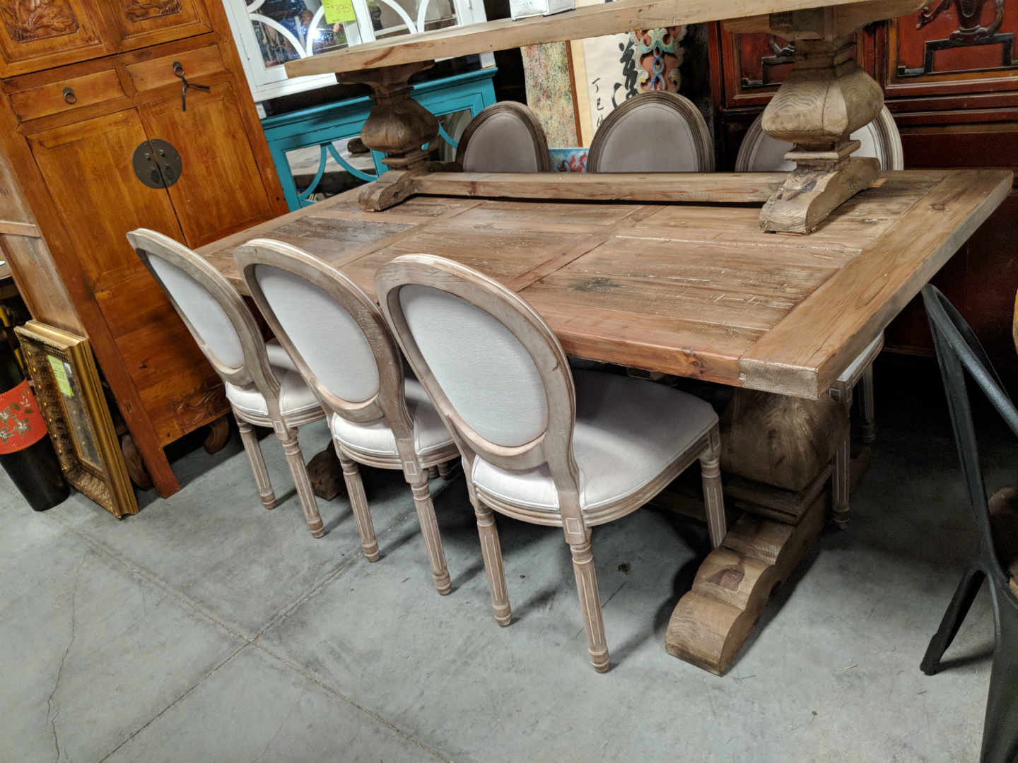 Rustic Farmhouse Dining Tables - Solid Wood Furniture from Decor