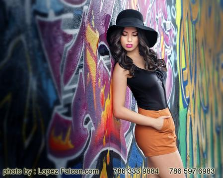 Quinceanera Graffiti photographer Quince photo shoot at Wynwood Walls Art District Miami . Best photo studio for Graffiti Style in Miami Best ideas for cinematography video Clip , Pictures Themes and Locations .Quinceanera graffiti Miami quince pictures photography Quinces at Graffiti Wynwood walls photos una sesion de Quinceaneras Lopez Falcon Tips & Ideas