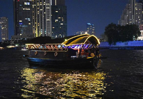 Loy Nava boat for dinner cruise on Chao Phraya