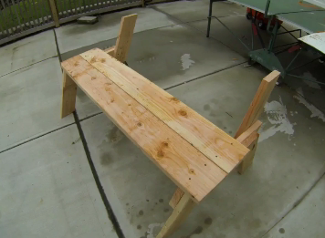 Easy DIY picnic table that folds into bench seats. www.DIYeasycrafts.com
