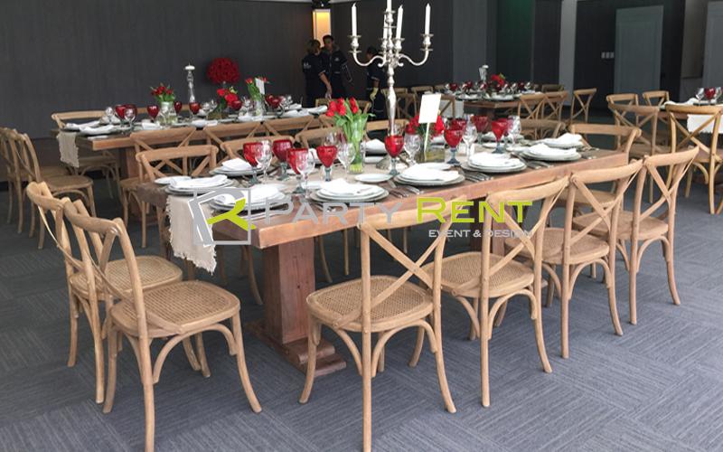 alquiler-de-mesas-y-sillas-para-eventos