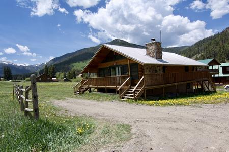 Rent a huge budget friendly Red River cabin