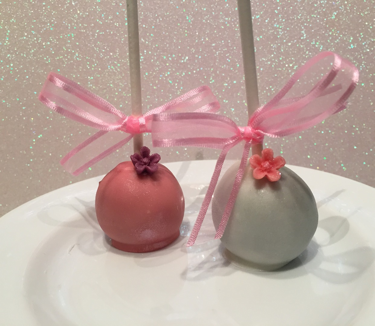 Mother\'s Day Cake Pops