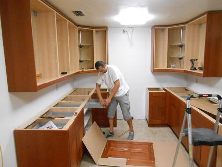 Las Vegas Cabinet Installer Cabinet Installation Service and Cost in LAS VEGAS NV 89108 | McCarran Handyman Services