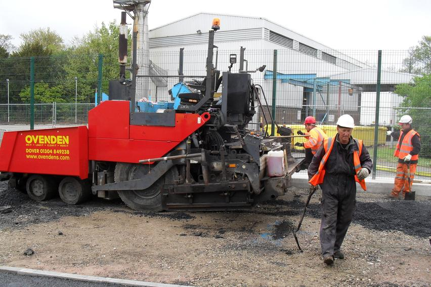 Ovennden Paving Machine, Tarmac contactor Kent, William Harvey Hospital