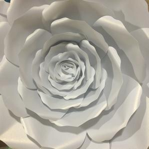 Paper Rosas Galore, Paper Roses, Paper Flowers, Giant Flowers Rose Decor