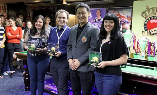 World Women's Snooker team - Mandy Fisher, Matt Huart and Diana Schuler