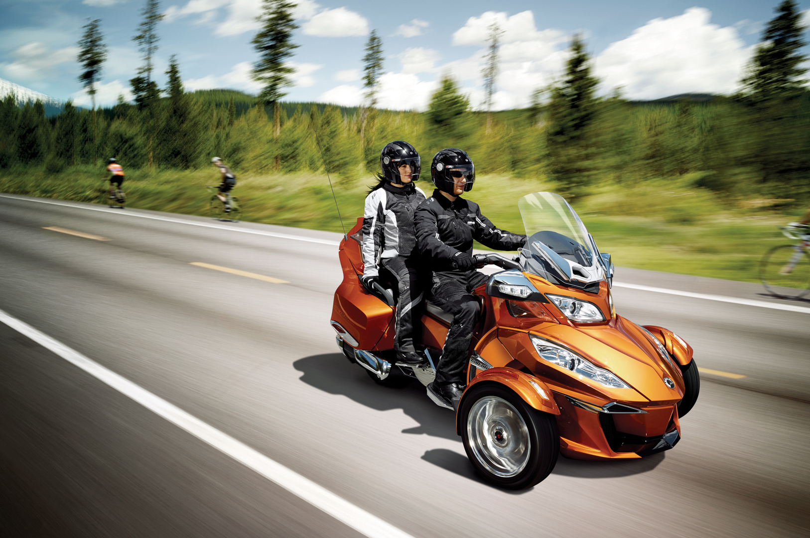 California s leading can am spyder rental company mogo cycles spyder rentals logo lean more