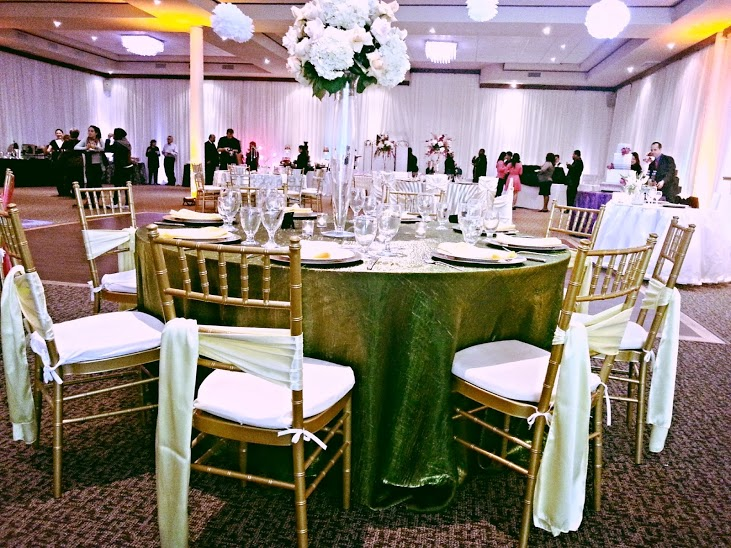 chiavari chair rental and resin chairs