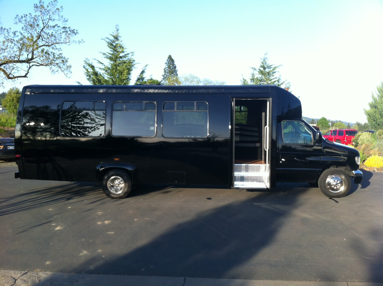Limo rentals near knoxville - Eugene Birthday Party Limousine Service