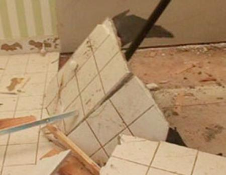 Bathroom Demolition Service Bathroom Demolition Company & Cost | LNK Junk Removal