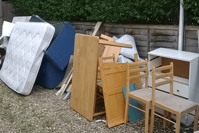 Junk Unwanted Old Furniture Removal | Old Furniture Pick Up Service and Cost Omaha NE – Omaha Junk Disposal
