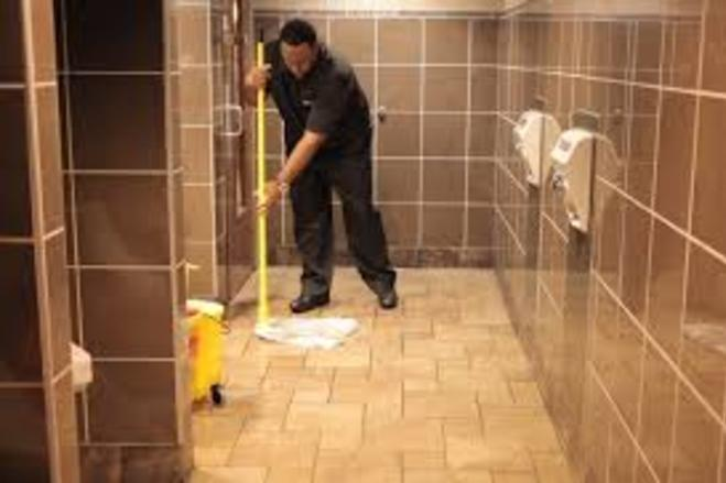 Best Shopping Center Restroom Cleaning Services and Cost in Omaha NE | Price Cleaning Services