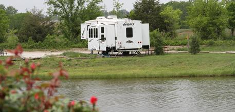Tranquil camping on 13 acres in Coffeyville