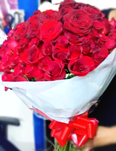 100 red roses- the little flower shop-florist-london-flowers-bouquet-valentines-day-red roses-rose-rose bouquet-love flowers-bouquets-flower delivery