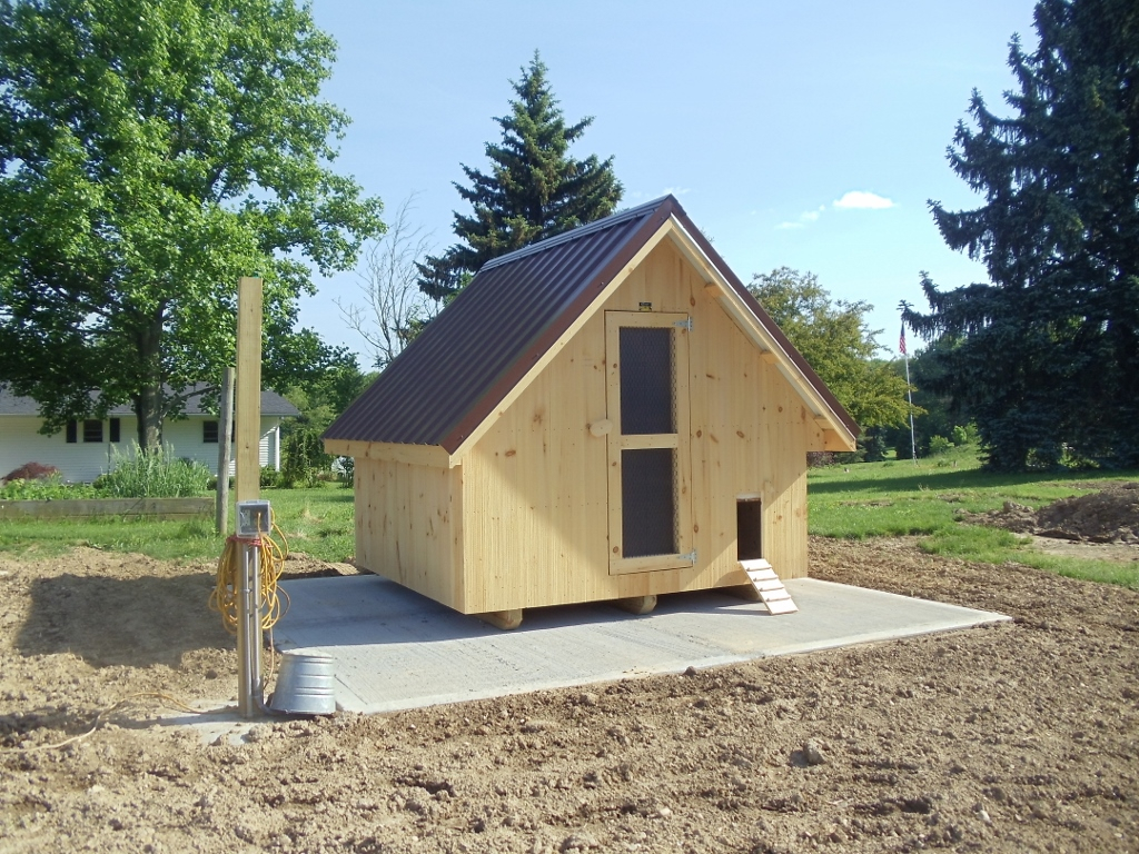 Walk In Chicken House portable barns construction - kt custom barns, llc - millersburg, oh