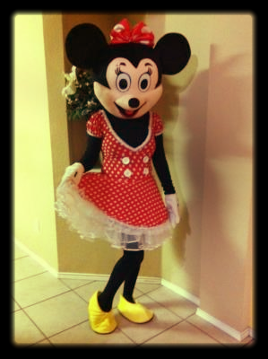 Red minnie mouse character, entertainer, Texas