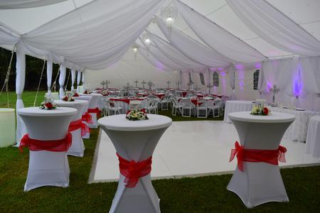RED AND WHITE WEDDING TENT