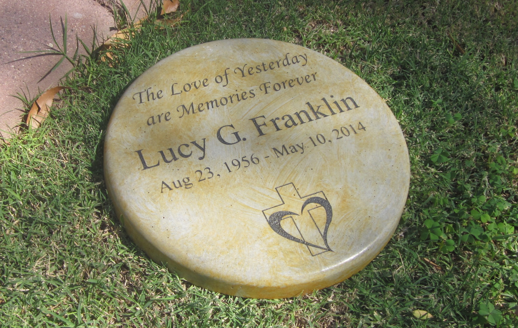 Remembrance Stones Garden Pet memorial garden stones memories to stone the garden stones adds character and beauty to any landscape very versatile and works well with any decor pay tribute to a loved one pet or the special workwithnaturefo