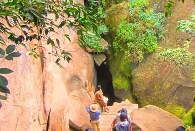 Edakkal cave- path from lower cave to upper cave