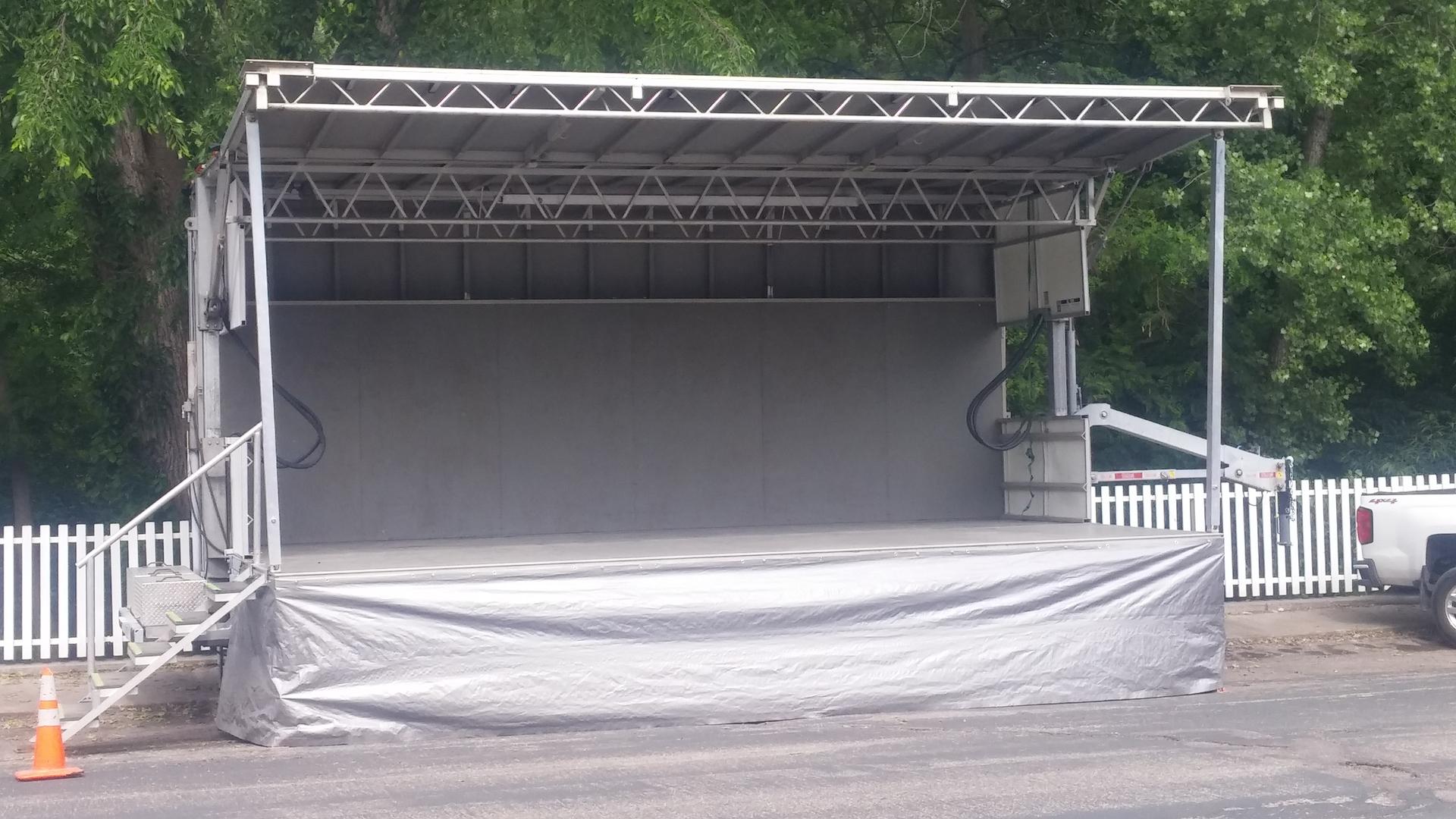 Stageline SL100 & SL260 - Festival Mobile Stage Rentals