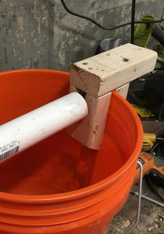 How to build a better Log Rolling Bucket Mouse Trap. Free step by step instructions. www.DIYeasycrafts.com