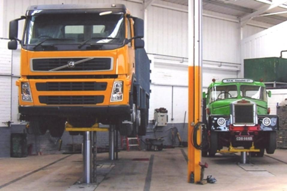 Mobile Truck Maintenance Services and Cost in Omaha NE | FX Mobile Mechanic Services