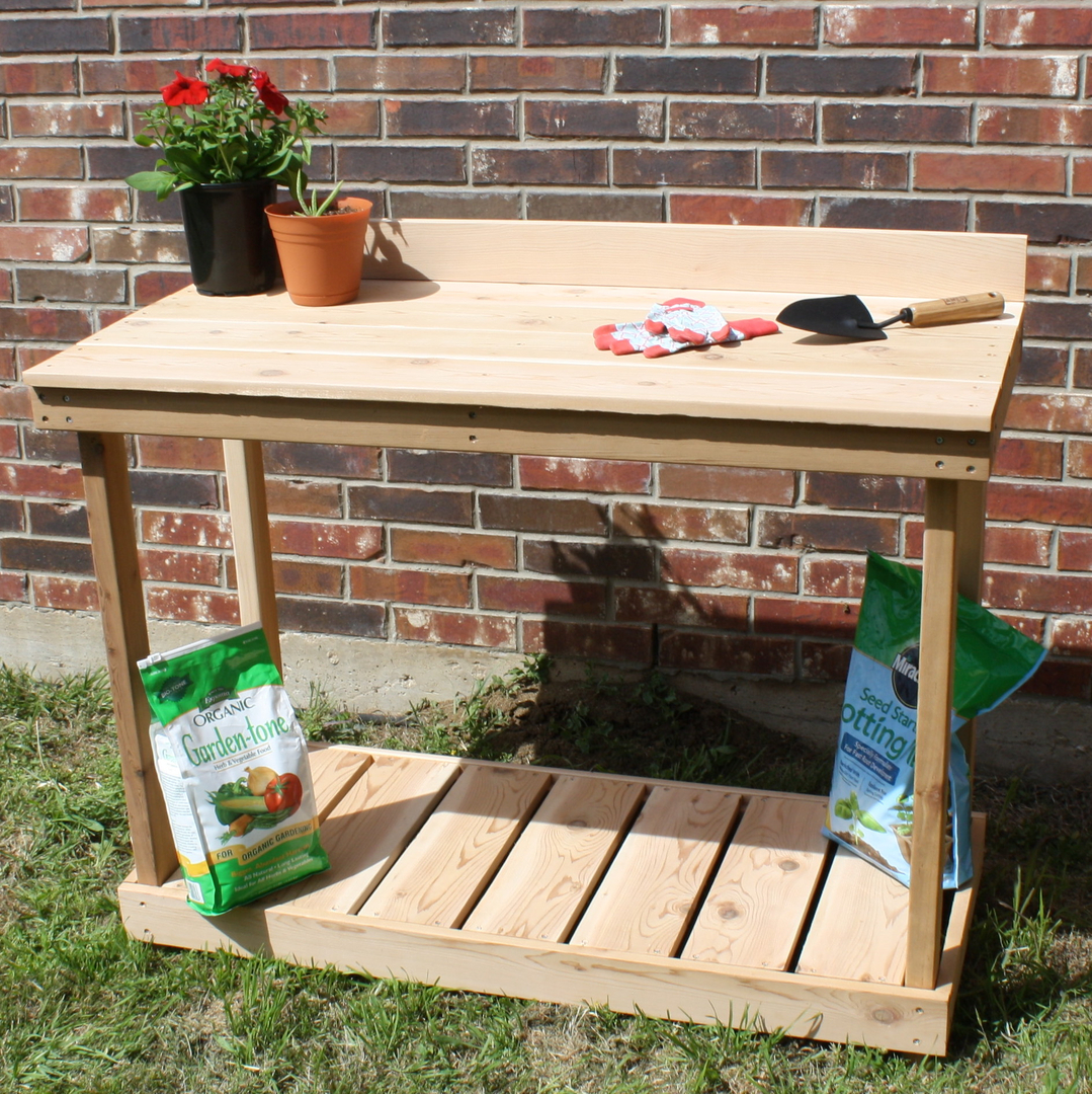 Traditional Potting Bench