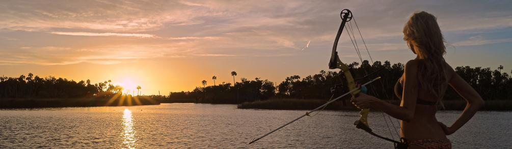 Brooke Thomas Bowfishing in Crystal River