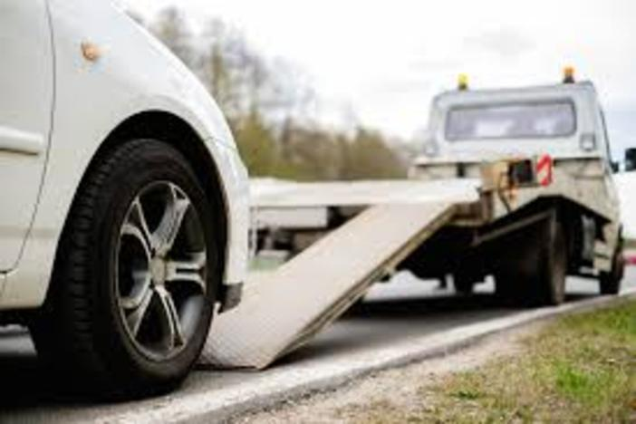 Flatbed / Wheel Lift Services in Omaha NE | 724 Towing Services Omaha