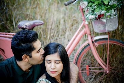 best-pre-wedding-photographers-in-dwarka-dreamwork-photography-pre-wedding-photography-starts-from-rs8000