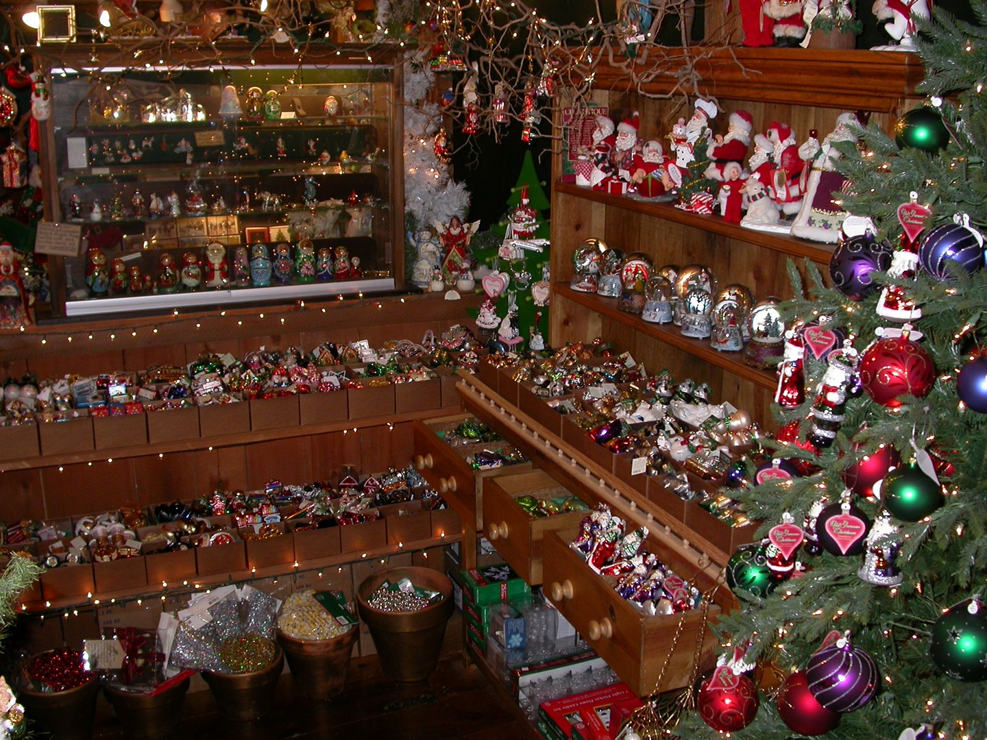 the pink sleigh christmas shop in westbrook ct - The Christmas Shop