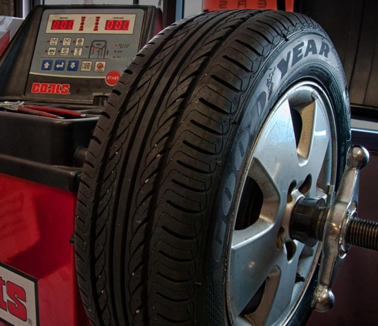 Tire Balancing Services and Cost in Omaha NE | FX Mobile Mechanic Services
