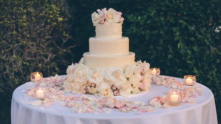 Elegant Simple Wedding Cake Round Fresh Flowers Roses Widely Spaced
