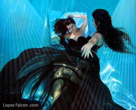 Underwater quinceanera Sweet 15 Quinces photography show miami