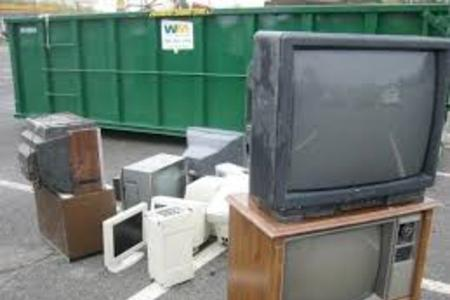 Local TV Recycling Service Lincoln Affordable Responsible TV Haul Away | LNK Junk Removal