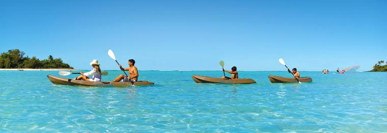 Cook islands, kayaking on the lagoon - Rarotonga