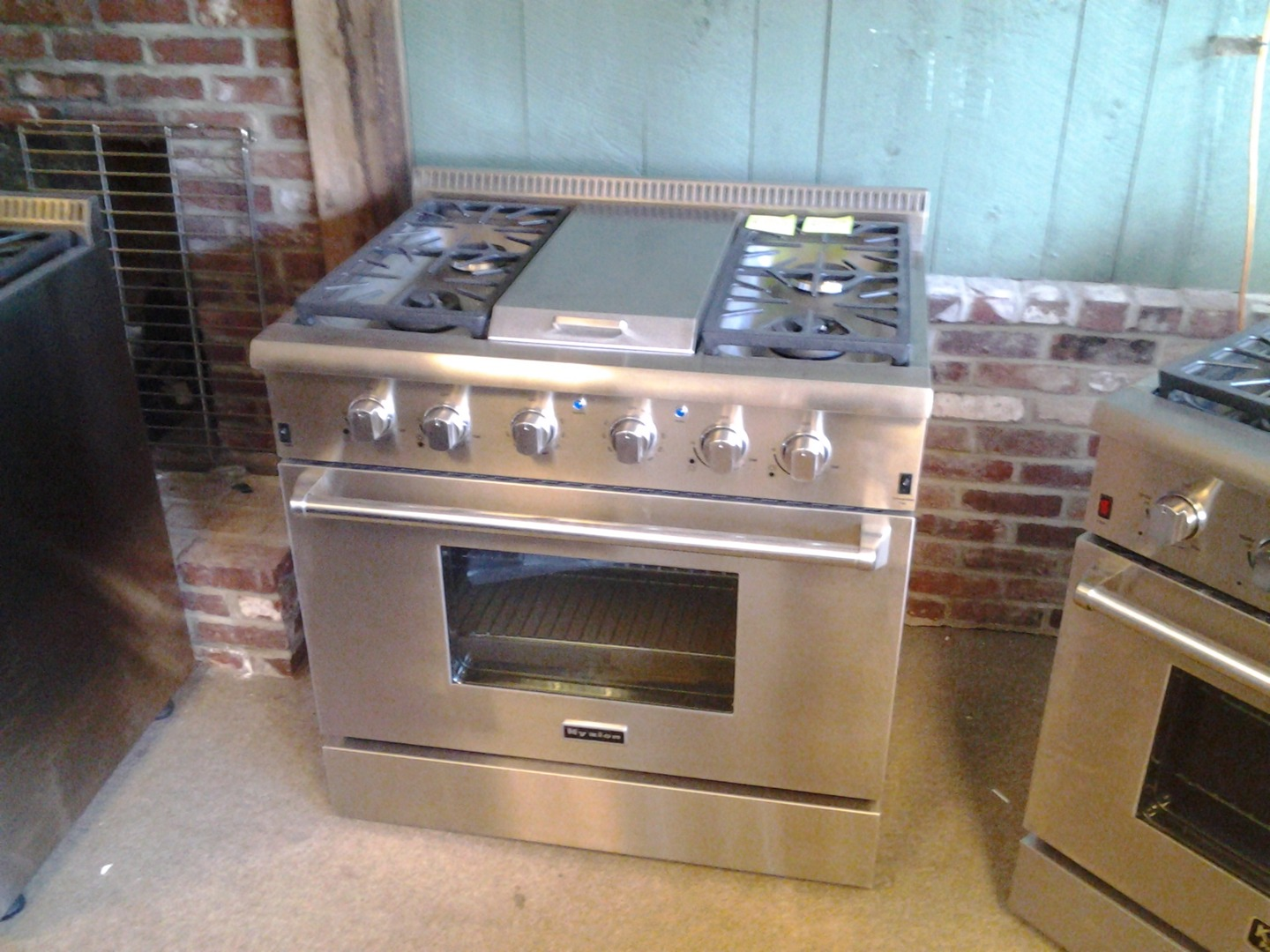 We Carry All Major Brands Of New Scratch Dent Pre Owned Used Appliances Come In And See Our Huge Selection Of Top Of The Line Stainless Steel Stoves