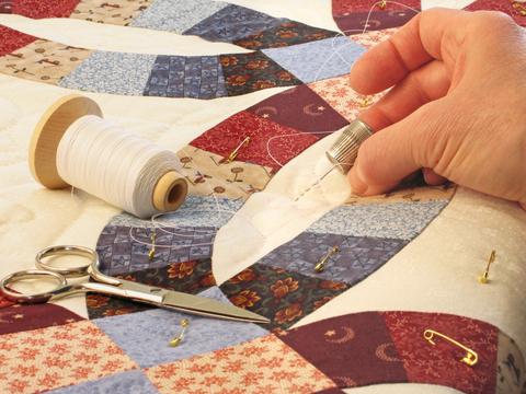 nebula.wsimg.com/328a6c800ad3750285d685f80d0875c2?... : how to hand baste a quilt - Adamdwight.com
