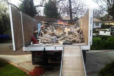 Fast Construction Material Haul Away Debris Removal in Lincoln NE | LNK Junk Removal
