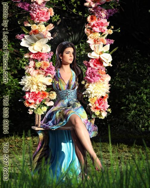 Quinceanera on Swing columpio para fotos de quinceanera en Miami homestead Redland Fl Florida Una Bella locacion en Rdland Fl para fotos de Quinceaneras Pictures in Secret Gardens Photo Shoot By Lopez Falcon Best Quinces photographer